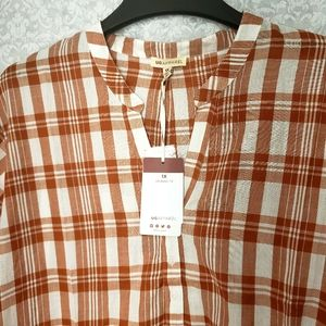 Ug apparel blouse burnt orange and white 1X
